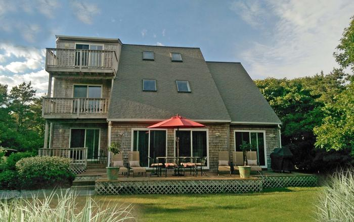 Katama Delight Of MV:  Stylish Contemporary  In Superb Location - Walk To South Beach, Edgartown