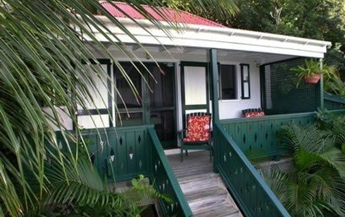 Windwardside Cottage: Quaint, Quiet, Romantic, Spa, Great Ocean View & Gardens, Calabash Boom
