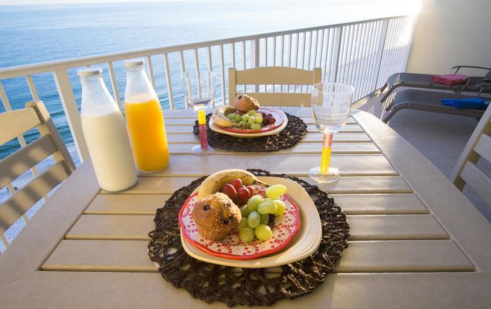 Fabulous Condo Waiting For You!! Free Wifi.. Direct Ocean View., Gulf Shores