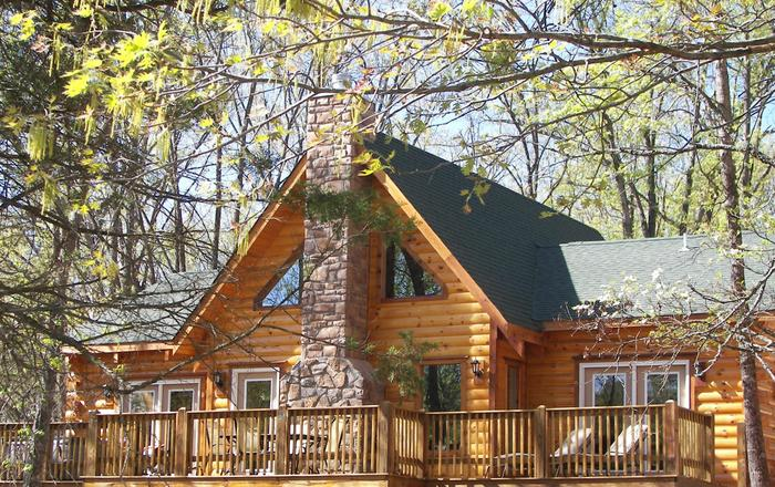 ALL WOOD LOG CABIN WITH HOT TUB,