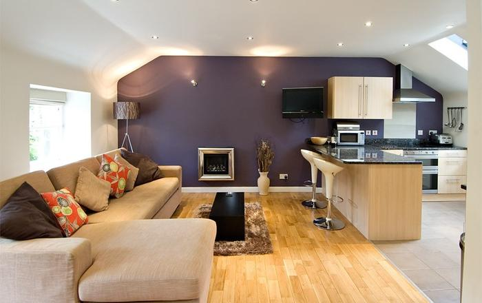 1 Bed Mews House For 4. 2 Bathrooms. 1 Parking Space. Free Wifi. Amex Accepted, Edinburgh