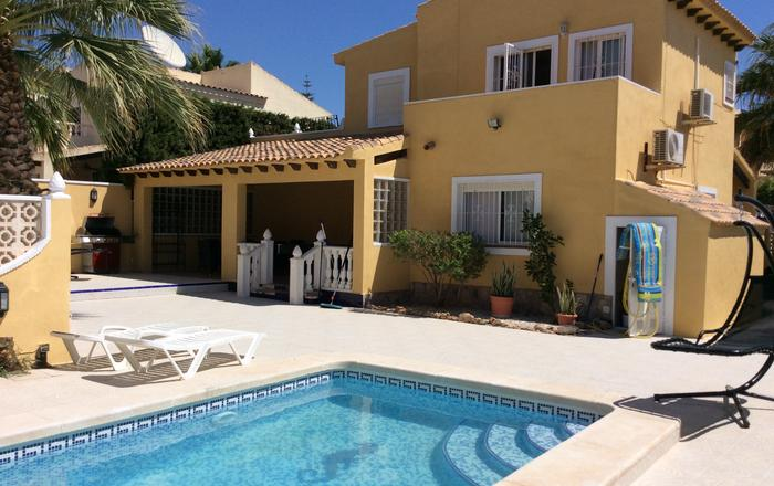 4 Bedroom Detached Villa With Private Pool Villamartin,