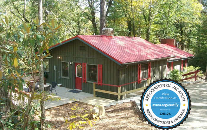 Character And Charm! Hot Tub, King Bed, Massage Chair, WiFi, 2 Fireplaces, Creek!, Asheville