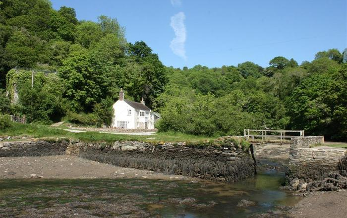 Pont Quay Cottage, Lanteglos By Fowey