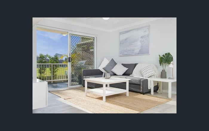 400 metres flat walk to the beach!, Coolangatta