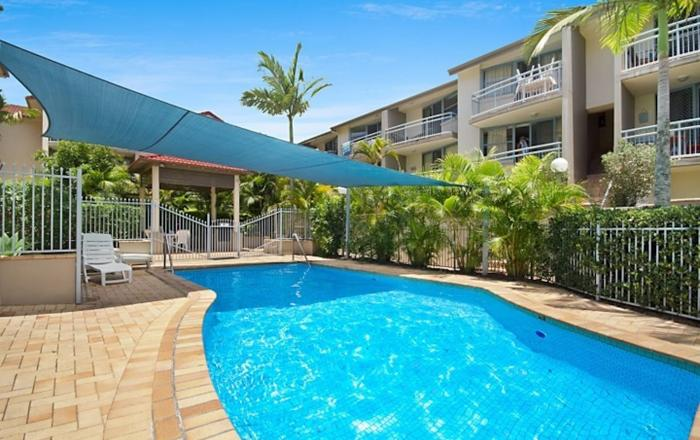 50 METRES TO THE BEACH AND SHOPS!, Coolangatta