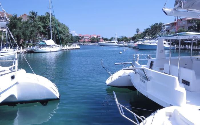 Penthouse con palapa frente a la Marina, Puerto Aventuras