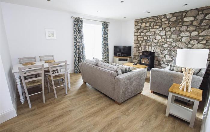 Upper Sanctuary Apartment, Reynoldston, Swansea
