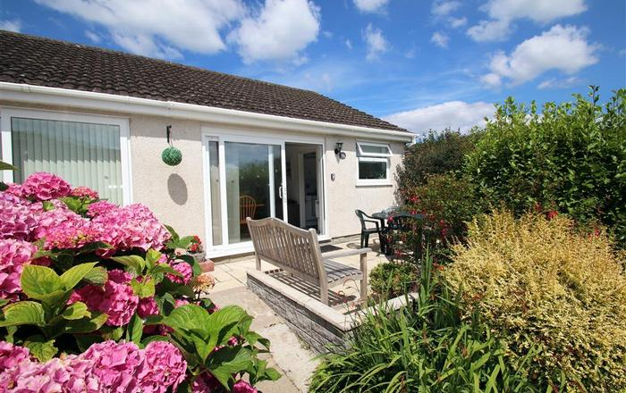 351 Bayview Bungalow, Oxwich, Gower
