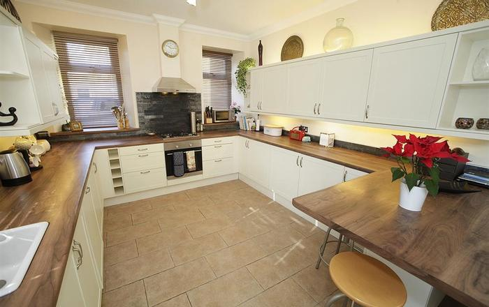 Lyndhurst Apartment, Langland, Mumbles