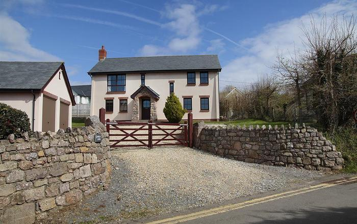 Barcud Lodge, Llangennith, Gower