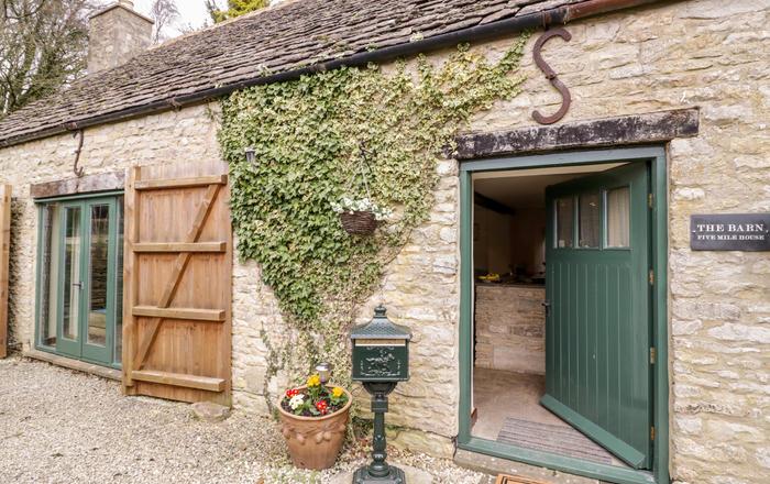 Five Mile House Barn, Cirencester