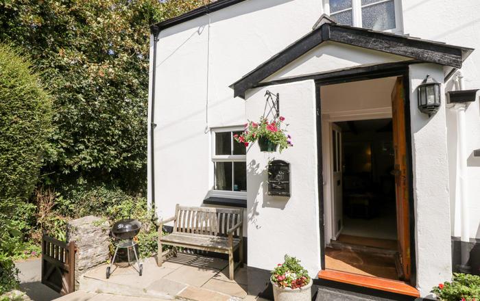 1 Rock Cottages, Kingsbridge