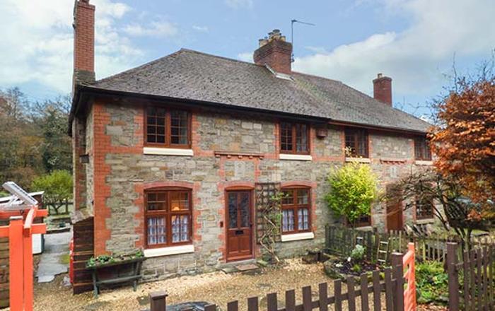 3 Crown Cottages, Coleford