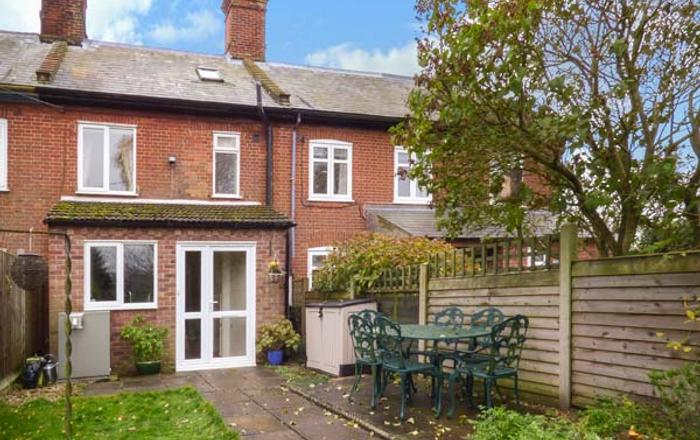 2 Home Farm Cottages, Fakenham