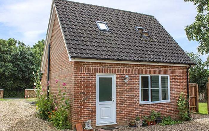 Hollytree Cottage, Attleborough