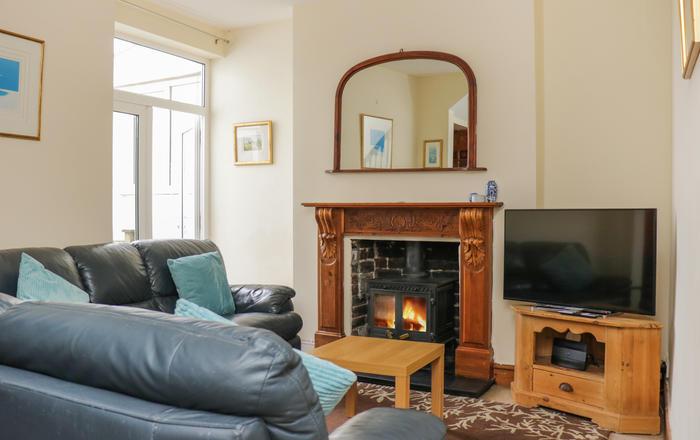 44 Heathcliff Cottage, Swansea