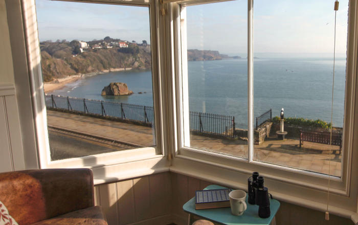 2 Beachtop Court Apartments, Tenby