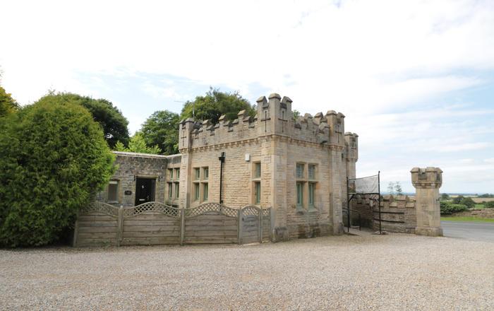 Walworth Castle Lodge, Darlington