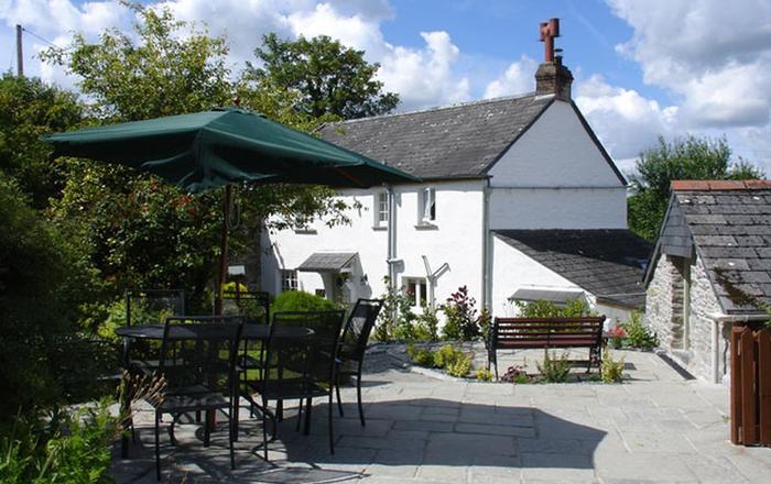 1 Rose Cottages, Lerryn