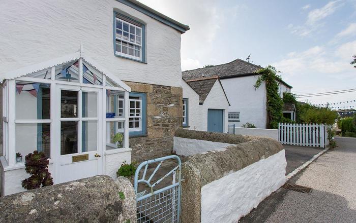 2 Trerise Cottage, Helston