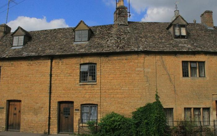 Japonica Cottage, Bourton On The Water