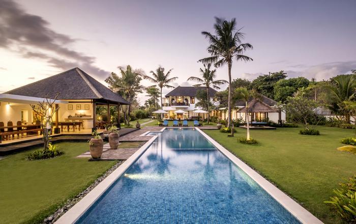 Bougain Villa, Lebih Beach