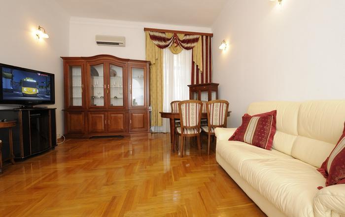 Two bedrooms. Lux. 15 Khreshchatyk str. Centre, Kiev