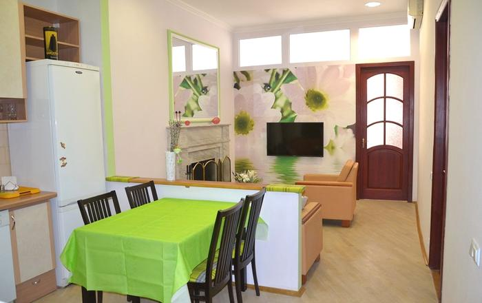 Lux. Two bedrooms. 17 Mala Zhytomyrska str. Centre, Kiev