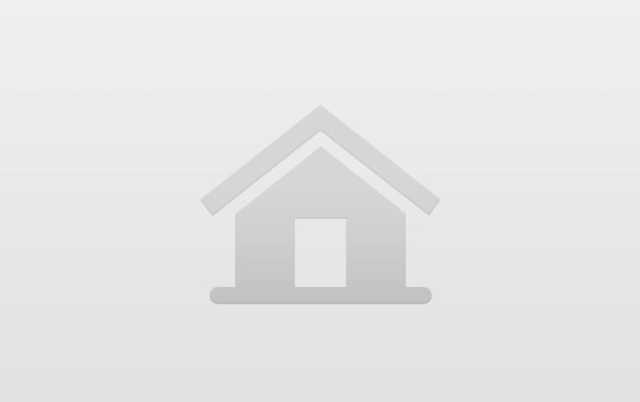 Y Berllan Log Cabin, Newport