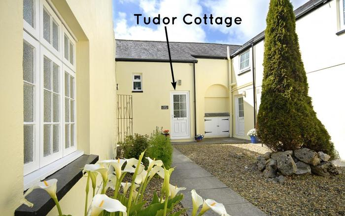 Tudor Cottage, Pembroke
