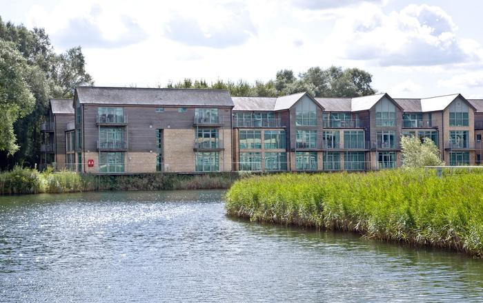 Cotswold Water Park Apartment 6, Cirencester