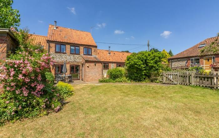 2 Manor Court, Syderstone