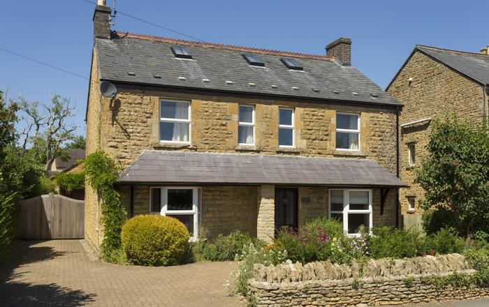 Millstone Cottage, Bourton-on-the-water