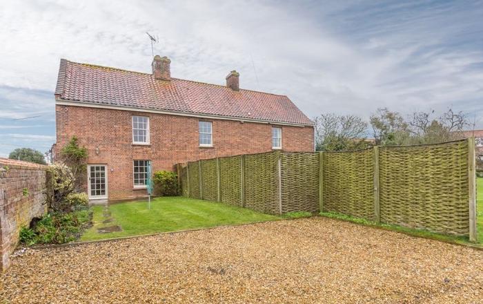 1 Dix Cottages, Thornham