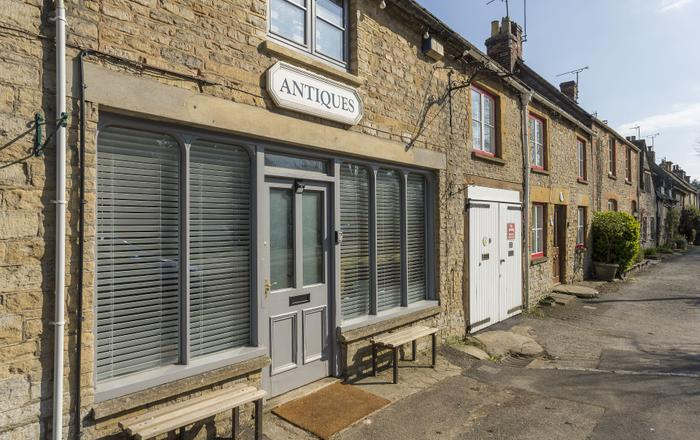 The Old Antique Shop, Stow-on-the-wold