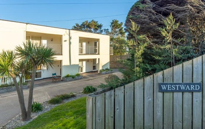 12 Westward Flats, Polzeath