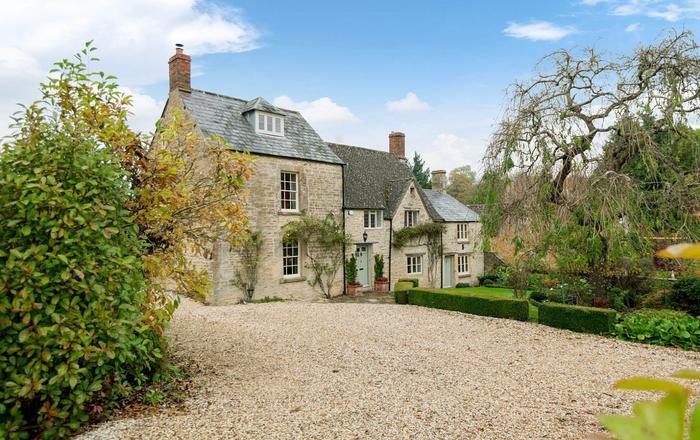 The Secret Cottage, Daglingworth