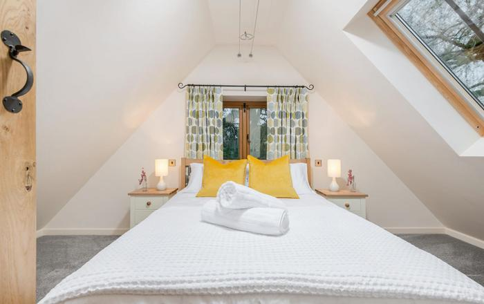 The Nest at Robins Roost, Little Rissington