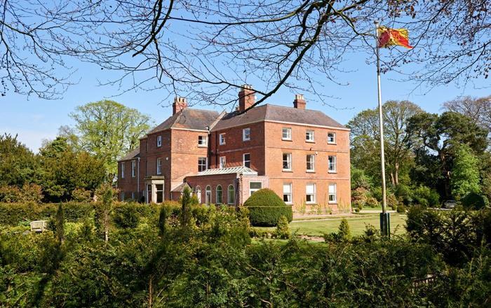 Sugnall Hall (14 Guests), Sugnall, Ecceshall