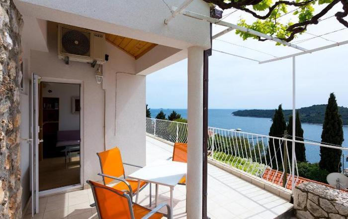 Charming sea view studio, Dubrovnik