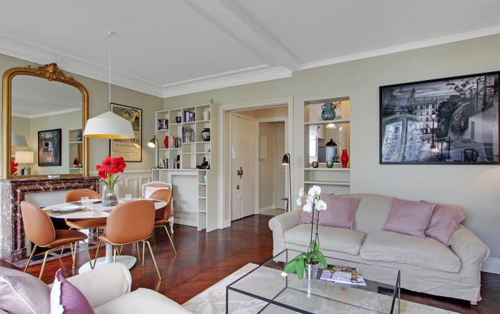 PerfectlyParis Caulaincourt Charm sleeps 3, Paris