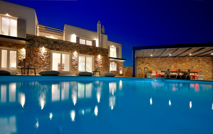 Villa De Luxe Mykonos, 5-bedroom luxurious villa in Kanalia Ornos, 5 min from Mykonos Town up to 12 Guests, Mykonos