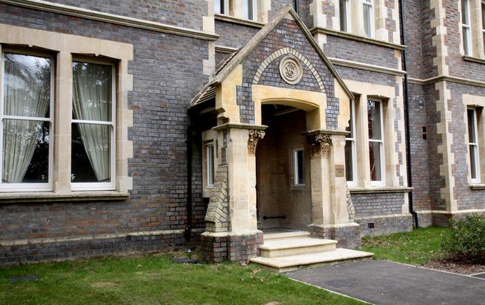 Sherborne House, City Centre Victorian Apartments, Basingstoke