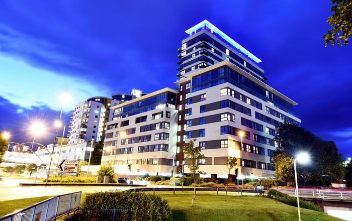 Skyline Plaza, Luxury Downtown Apartments, Basingstoke