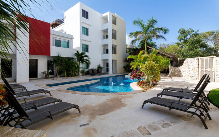 Spectacular condo in peaceful Area, Playa Del Carmen