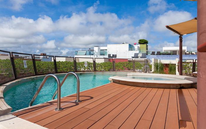 Modern Apartment with Pool, Playa Del Carmen