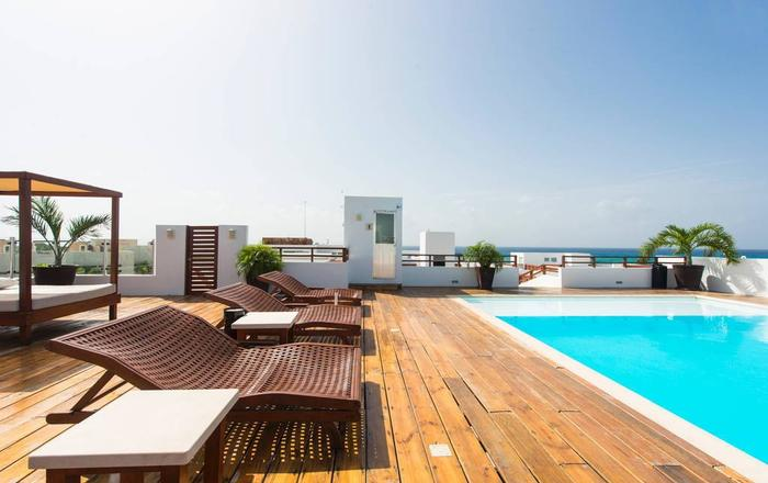 Luxury Condo step away from the sea, Playa Del Carmen