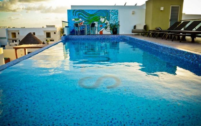 Spacious Flat with Amazing Pool, Playa Del Carmen