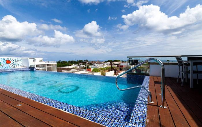 Condo with private terrace and amazing rooftop, Playa Del Carmen